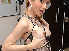 Blond and skinny fetish ladyboy Gigi shows you exactly how she likes to get..