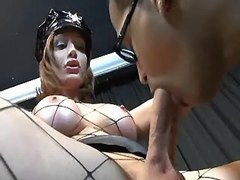 Shemale cop in fishnet wear gets BJ from sexmv.com