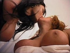 Blond tranny and TS suck each other from shemalehotties.com
